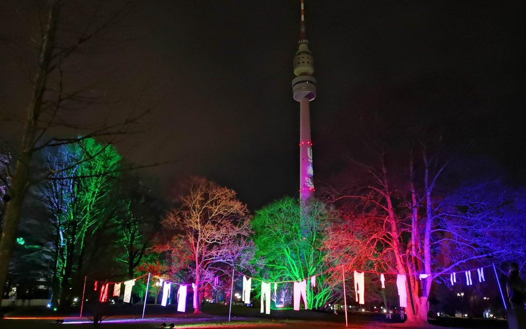 Florian Turm Dortmund während des Winterleuchten